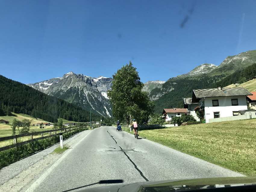 Durch das Obernbergtal nach Obernberg fahren