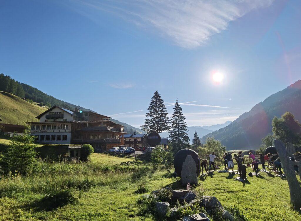 Almi´s Berghotel Panorama Richtung Olperer
