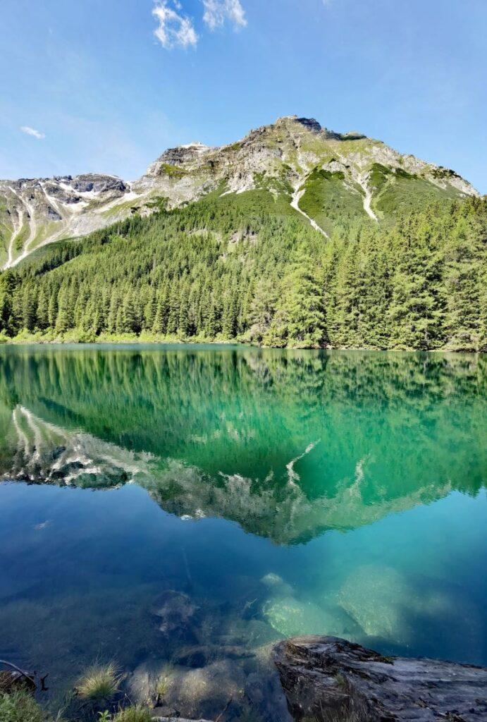 Naturdenkmal im Obernbergtal am Brenner: Der Obernberger See - türkisgrüner Smaragd in Tirol